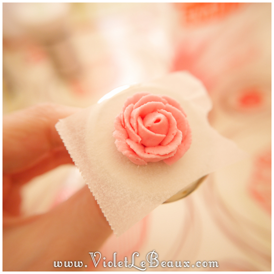 How-To-Pipe-Icing-Roses435