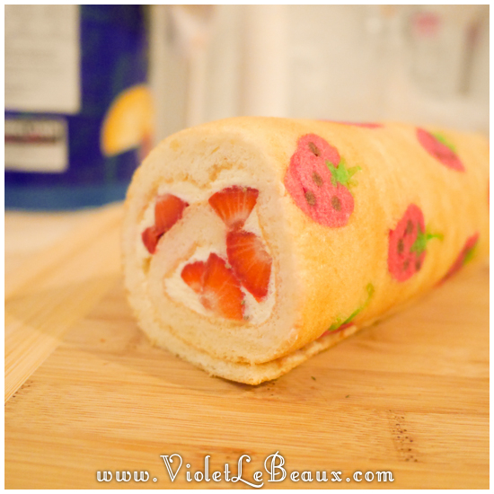 05 japanese deco roll cake strawberry recipe Strawberry Deco Roll Cake   Cute Food