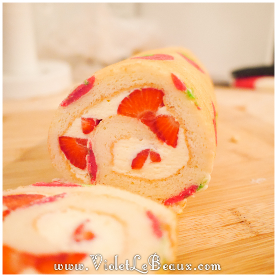 07 japanese deco roll cake strawberry recipe Strawberry Deco Roll Cake   Cute Food