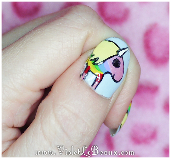 Lady-Rainicorn-Nail-Art46