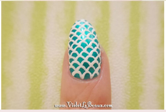 Easy-Mermaid-Nail-Art-Tutorial-Violet-LeBeaux-4