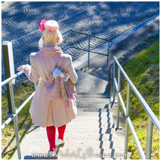 Violet-Outfit-Switzerland051