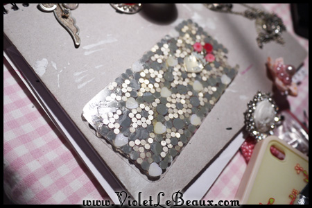 VioletLeBeaux-decoden-bling-iphone-61_17118