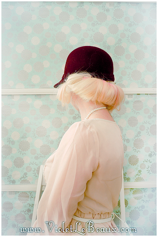 04 hat hairstyle tutorial violet lebeaux 6 Hairstyles To Wear With Hats – Hair Inspiration
