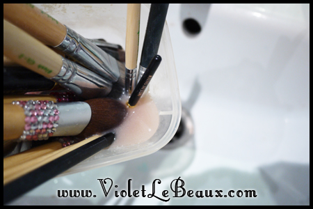 VioletLeBeaux-How-To-Clean-Make-Up-Brushes-815_18935