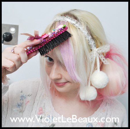 How to use Illamasqua pigment for colourful hair streaks