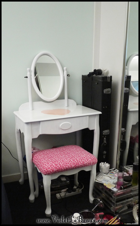 VioletLeBeaux-Vanity-Table-DIY-50442_15873