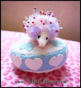 Felted-Hedgehog-Pin-Cushion-DIY-60999