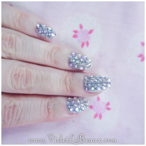 08 how to paved bling nail art 300x300 Tutorials