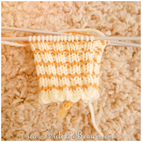 002-knitted-bee-mittens