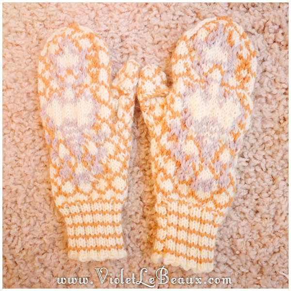 004-knitted-bee-mittens