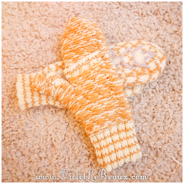 009-knitted-bee-mittens